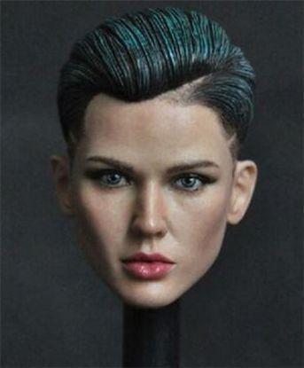 MancoToys Ruby Head Green Hair Highlight