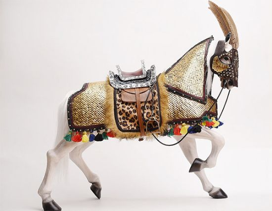 IQO Model Horse With Gold Armor 1/6 Scale